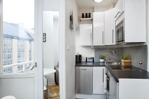 Планировка кухни с балконом